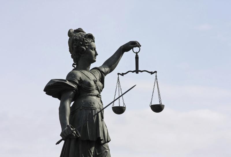 Pflichtverteidiger Celle: Rechtsanwälte Heuer und Brinkmann